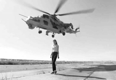 Woman Journo Risks Life As Attack Helicopters Thunder By