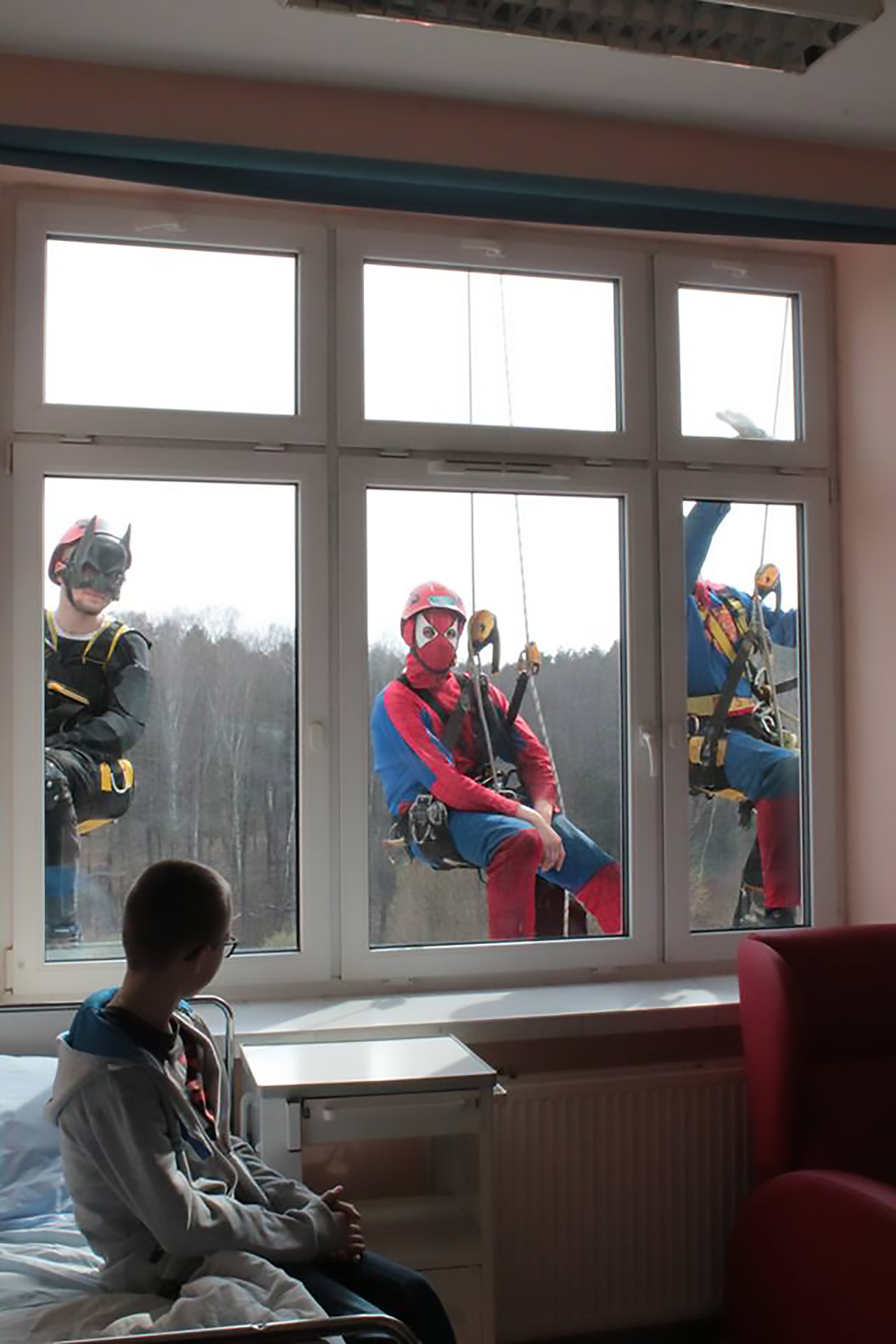 Batman And Superman Clean Kids Hospital Windows