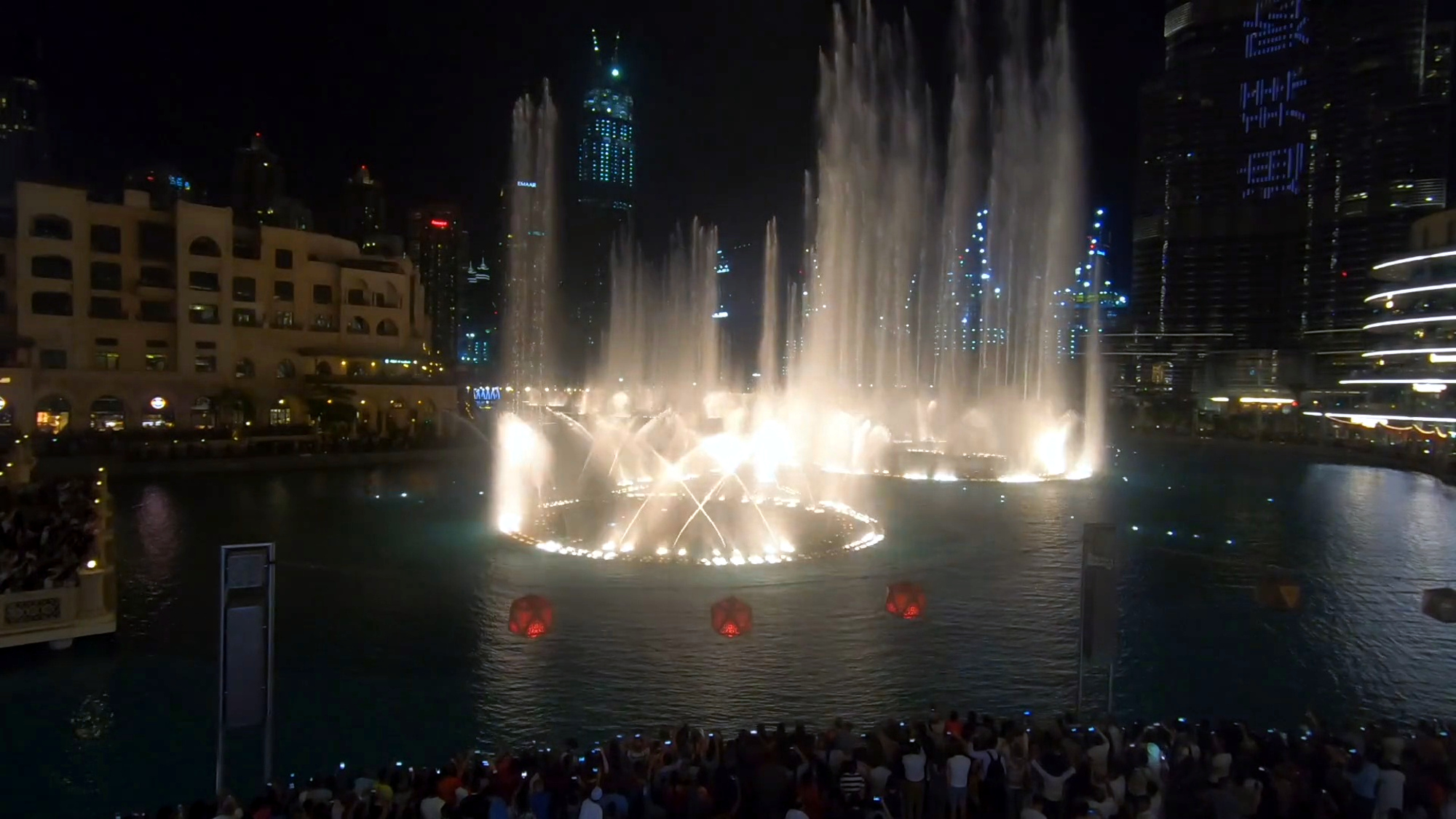 Dubai Firm Pays Up To 20,000 For Baby Shark In Fountain