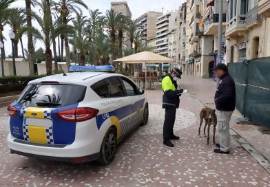Alicante Police Monitor Time People Spend Walking Dogs